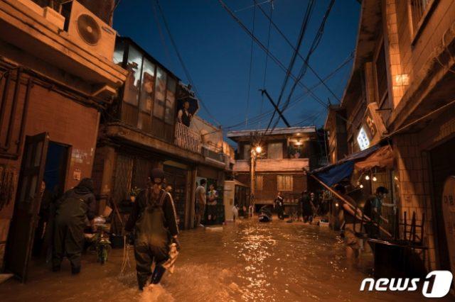 半地下洪水冠水