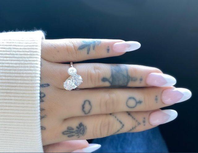 アリアナ指輪